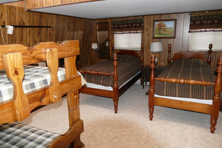 Bunk Room BR2