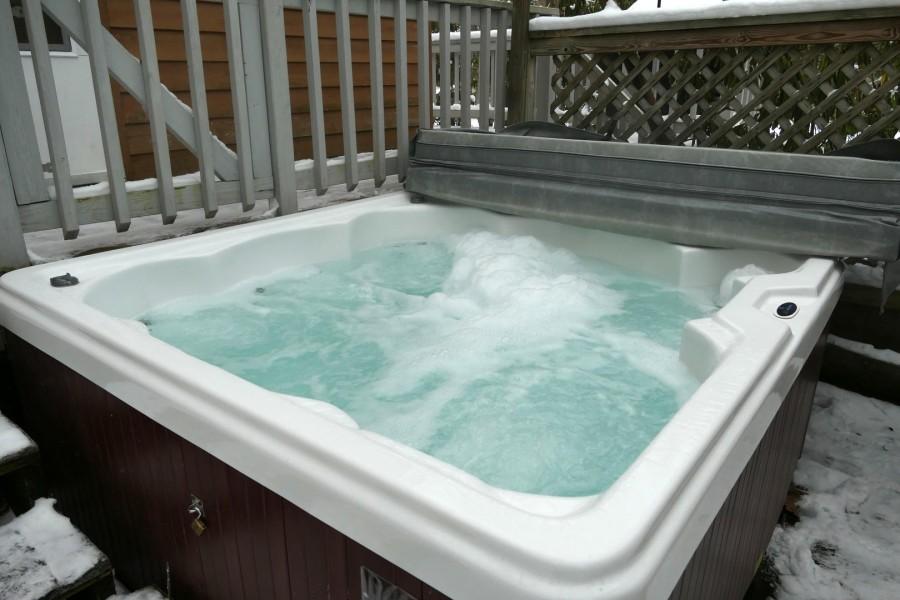 Hot Tub - Winter