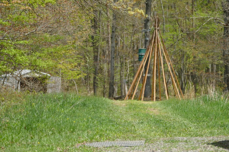 Tipi frame for exploring