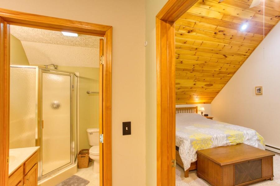 Bath1 loft towards King Bedroom