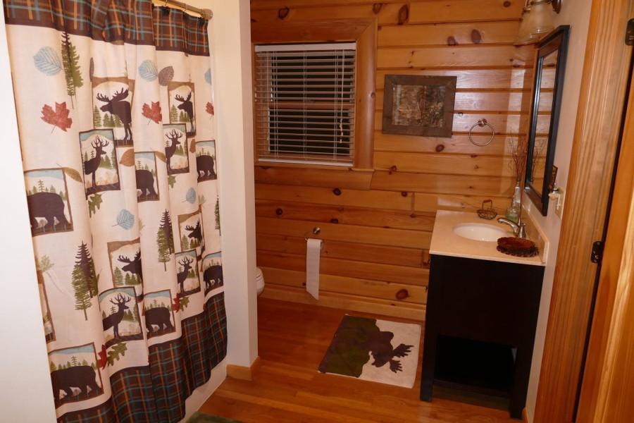 Bathroom 2 Hallway