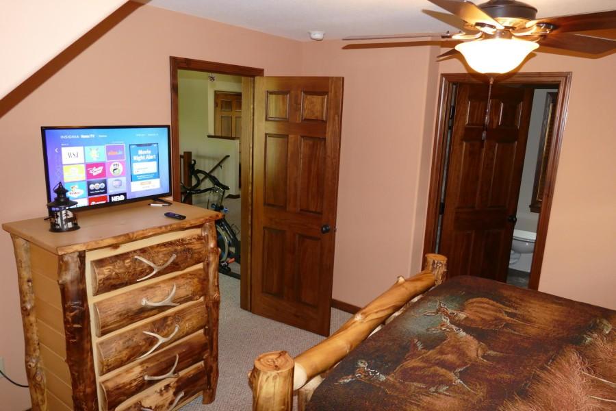 Loft Queen Suite w.TV_2