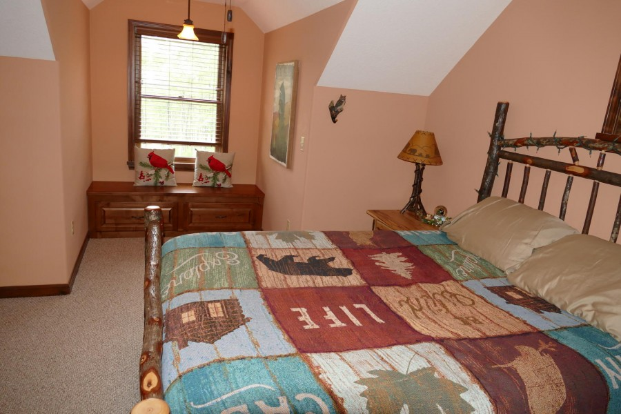 Loft Queen suite3 nook
