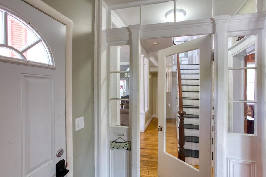 Entrance area - enclosed porch
