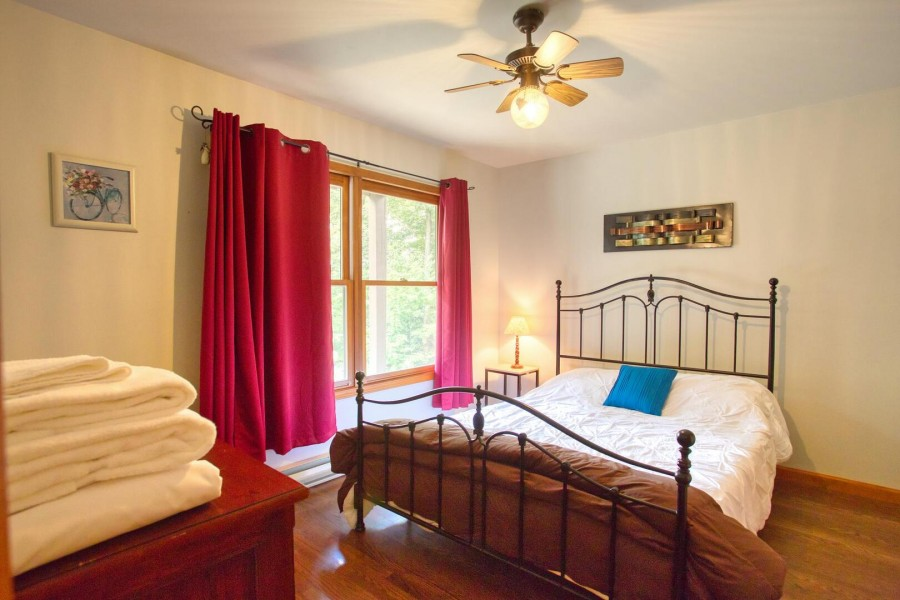 Bedroom 2 - Queen lower level