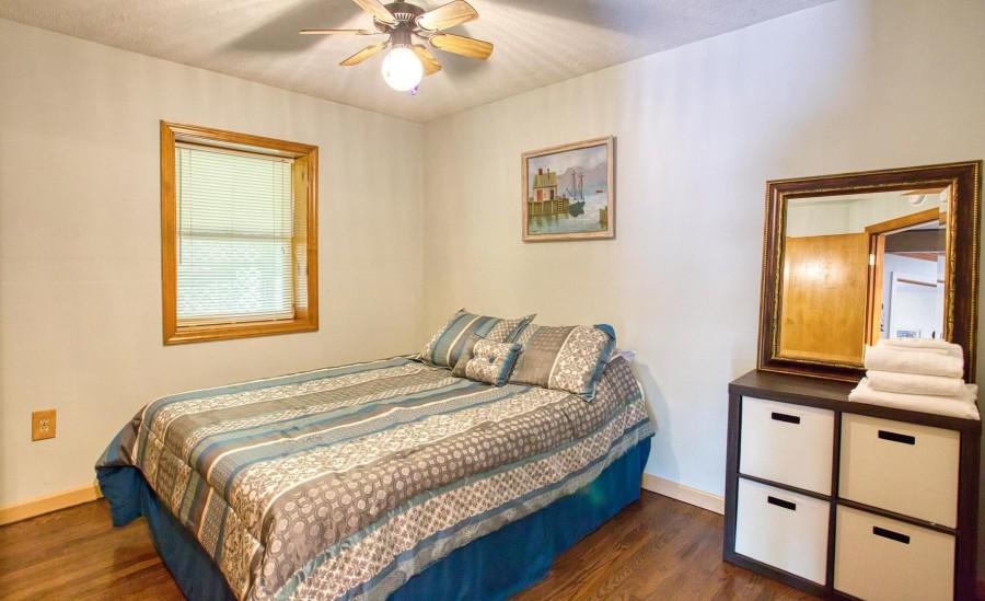 Bedroom 3 - Queen lower level