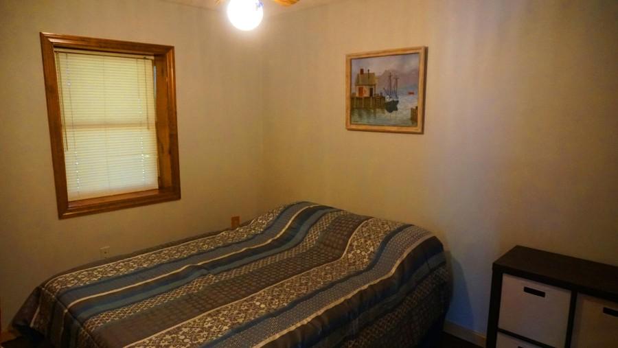 Bedroom 3 - Queen - lower level