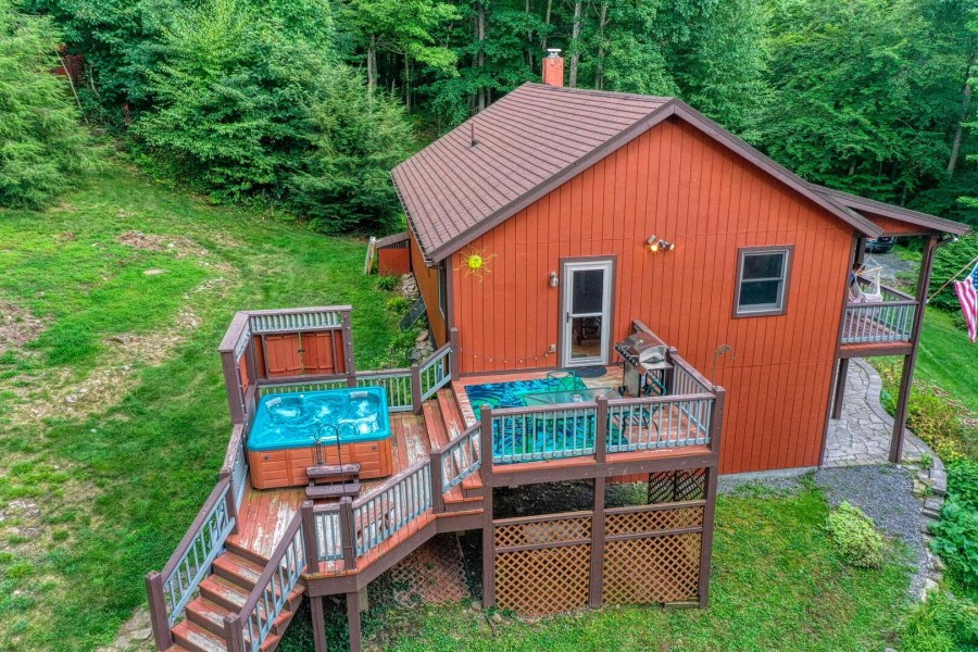 Side deck and hot tub